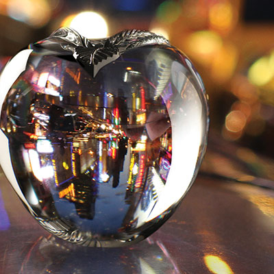 Cashs Crystal Big Apple Paperweight