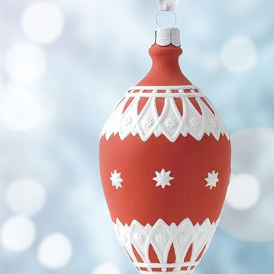 Wedgwood 2017 Neoclassical Teardrop Red Ornament