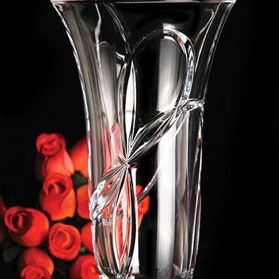 """Vera Wang Wedgwood Love Knots 10"""" Vase"""