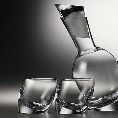 Nambe Crystal Tilt Decanter Set With 2 DOF Glasses
