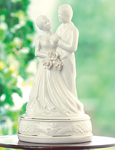 Belleek China Claddagh Cake Topper
