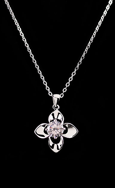 Cashs Crystal and Sterling Silver Wild Irish Rose Solitaire Necklace