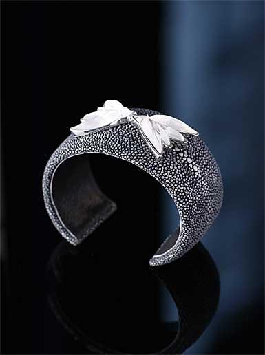 Lalique Hirondelle Bracelet, Galuchat