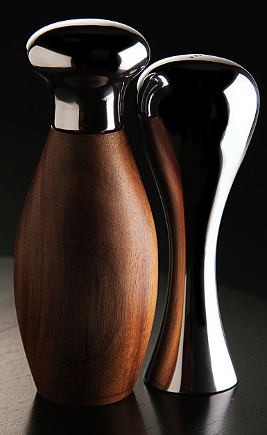 Nambe Metal and Wood Gourmet Monroe Salt and Pepper Set